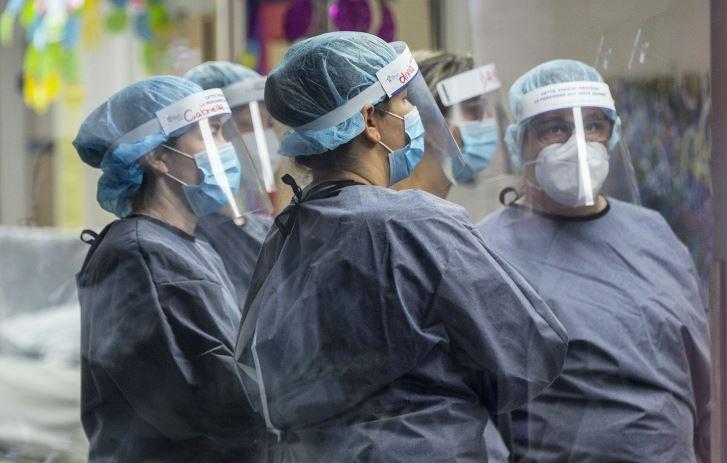 Les CHSLD doivent exiger le dépistage des employés, pressent les défenseurs des malades